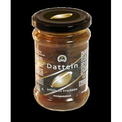 Datle plněné čerstvým sýrem
